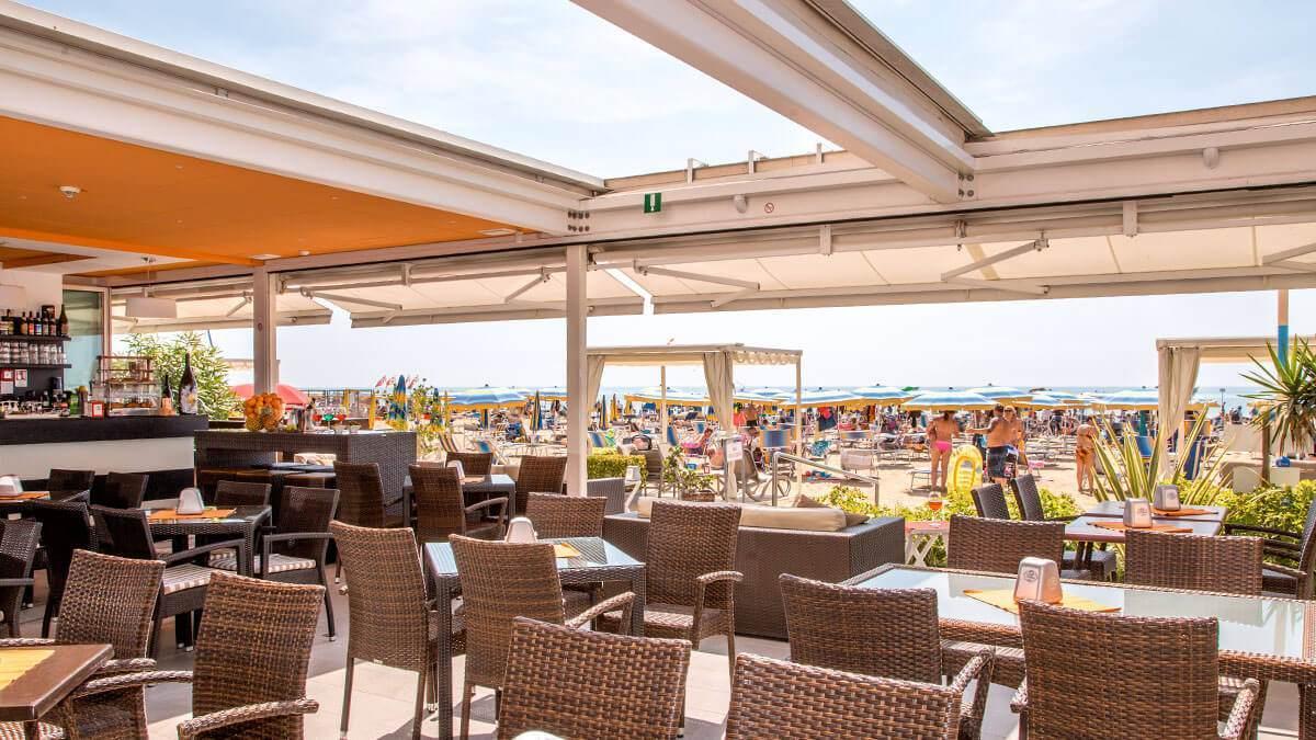 Hotel fronte mare jesolo hotel villa gioiosa sito ufficiale hotel 3 stelle jesolo lido - Hotel jesolo con piscina fronte mare ...